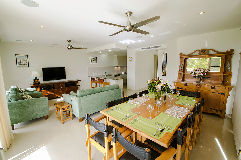 Dining for 10 guests, Apartment Three | Ming Apartments, Kingscliff NSW Australia