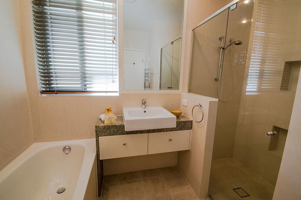 Ensuite bathroom, Apartment Three | Ming Apartments, Kingscliff NSW Australia
