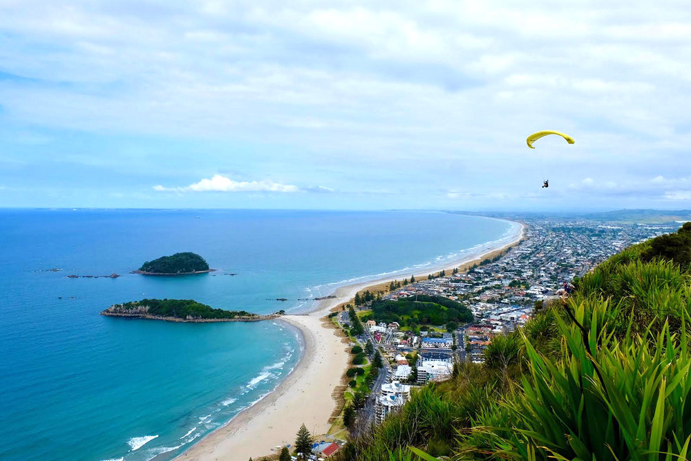 pacific-weath-creators-paragliding.jpg