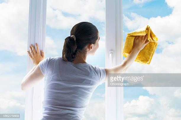 Gratis vinduspuss! - Bestill hushjelp nå og få gratis vinduspuss i gave!Gjelder alle bestillinger før 1 juni!