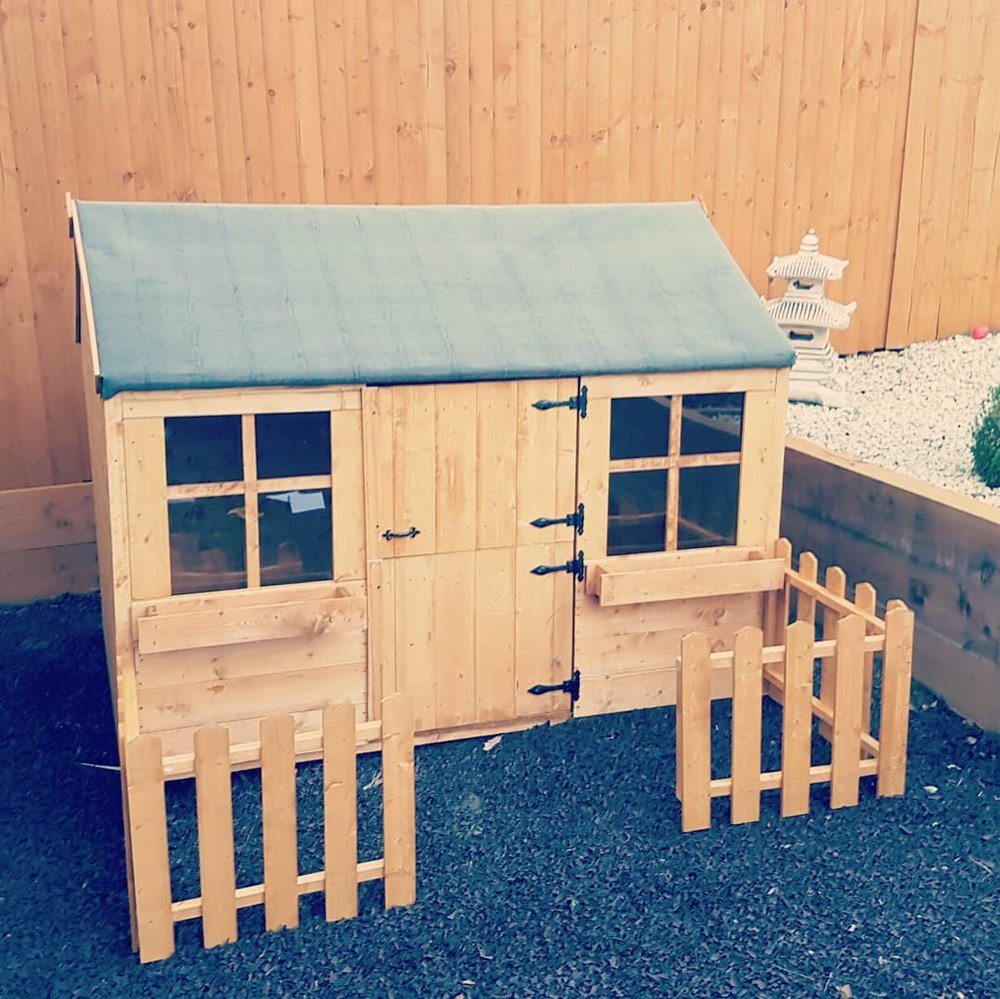 Excellent and would highly recommend! - Fantastic from start to finish. Having heard great recommendations I booked Andy to put up a summerhouse for my granddaughter. Andy and his colleague were efficient, on time and got the job done quickly with no fuss at all. I am so pleased with the work they did and I would highly recommend flat pack fittings again and again, they take the stress out of building things yourself and overall offer a great and reliable service.