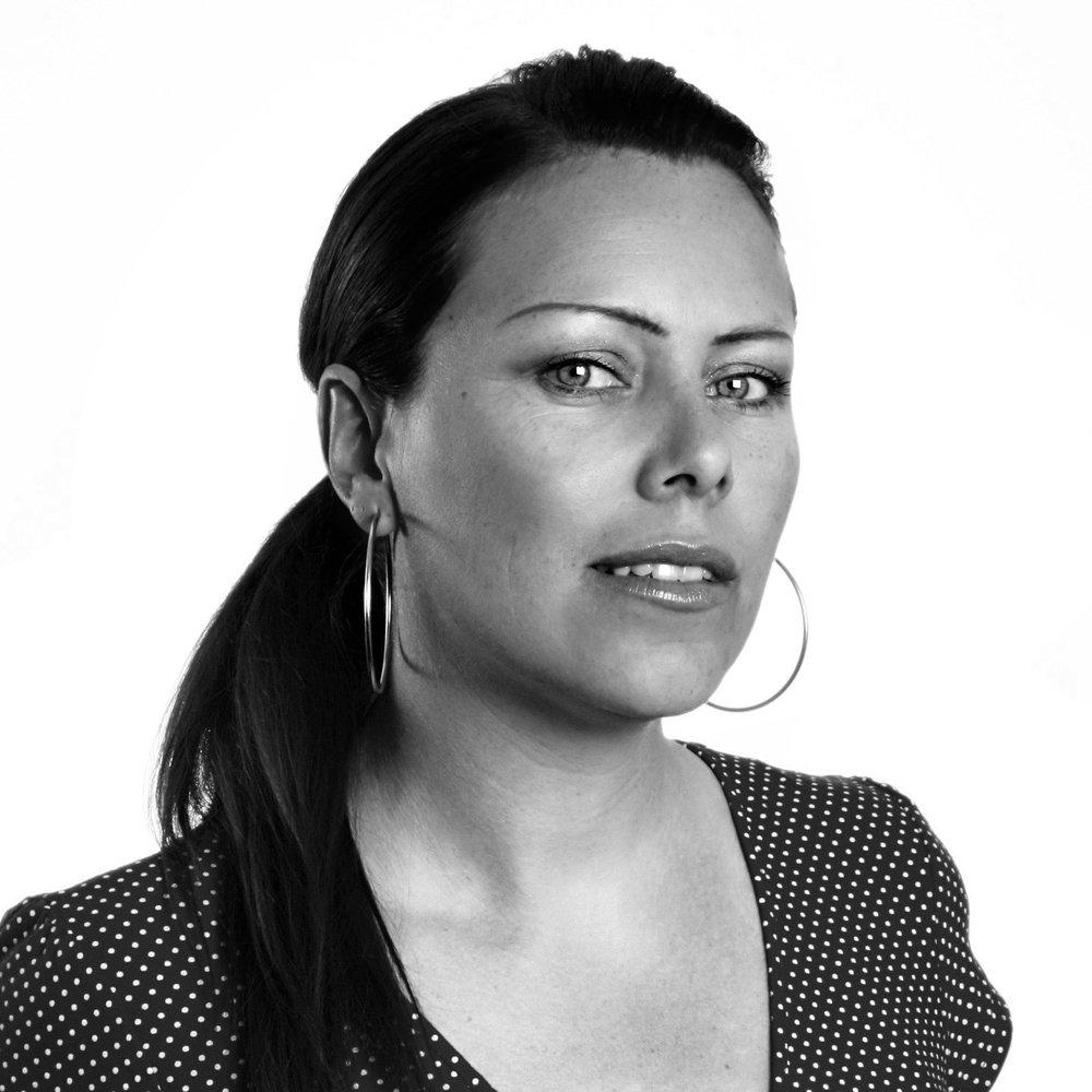 Cecilie Asker   No. journalist, musiker og forfatter