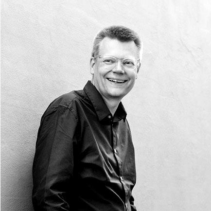 Keld Reinicke   Dansk frilans medierådgiver. Underviser i tv-serier ved Den Danske Filmskole.