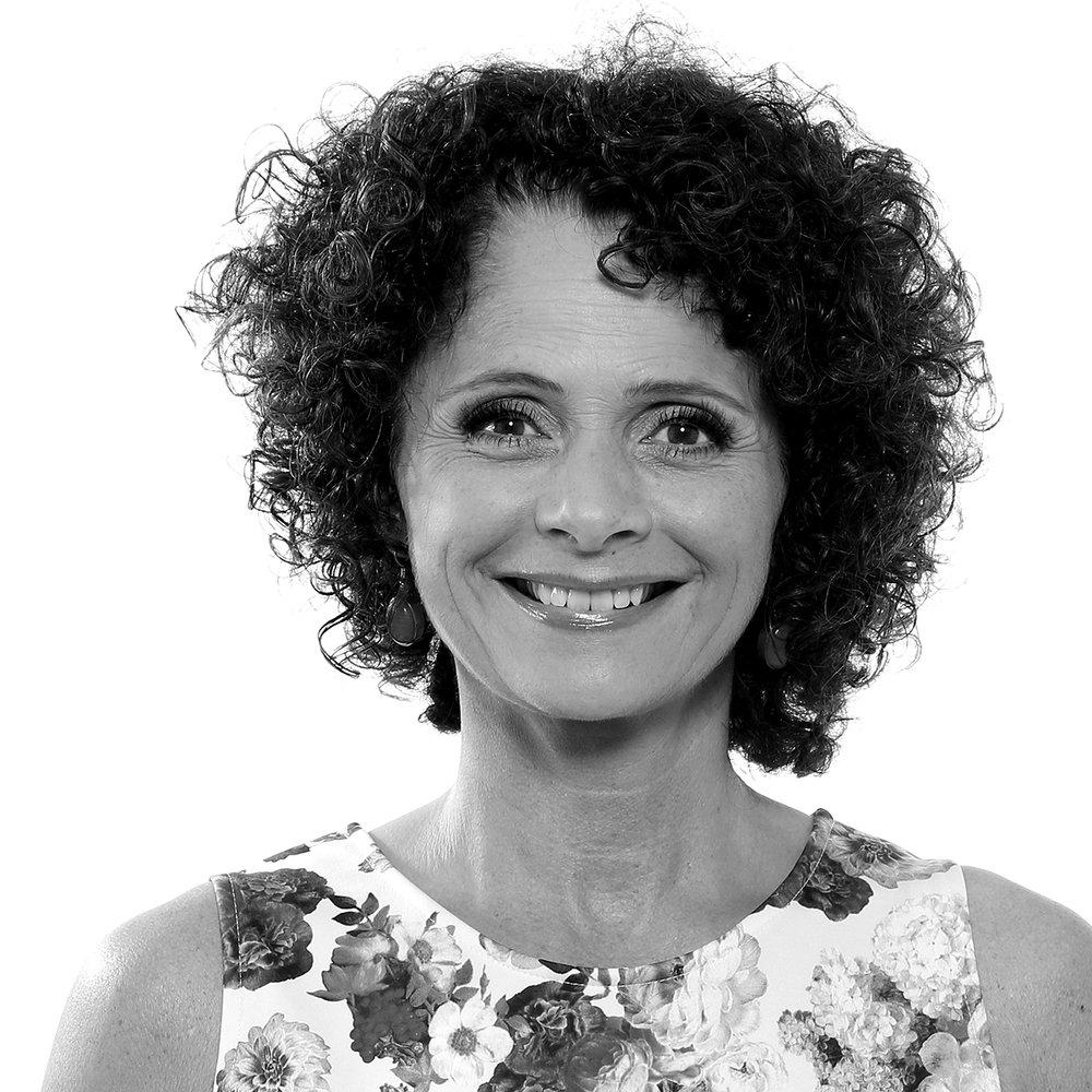 Nadia Hasnaoui   Norsk programleder og journalist, kjent fra en rekke NRK-programmer.