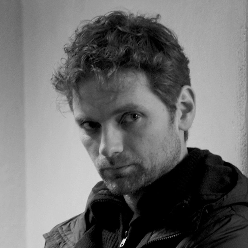 Morten Svartveit   Norsk skuespiller, kjent fra  Heimebane.