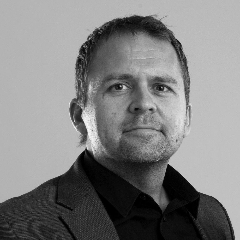 Gjermund Stenberg Eriksen   Norsk Emmy-vinnende serieskaper, kjent fra  Mammon