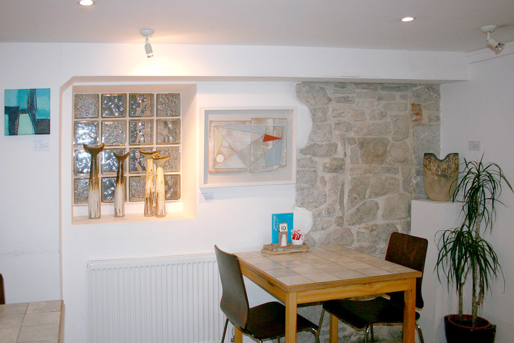 rear-seating-area-photo-white-stones-cafe-art-gallery-portland-dorset.jpg
