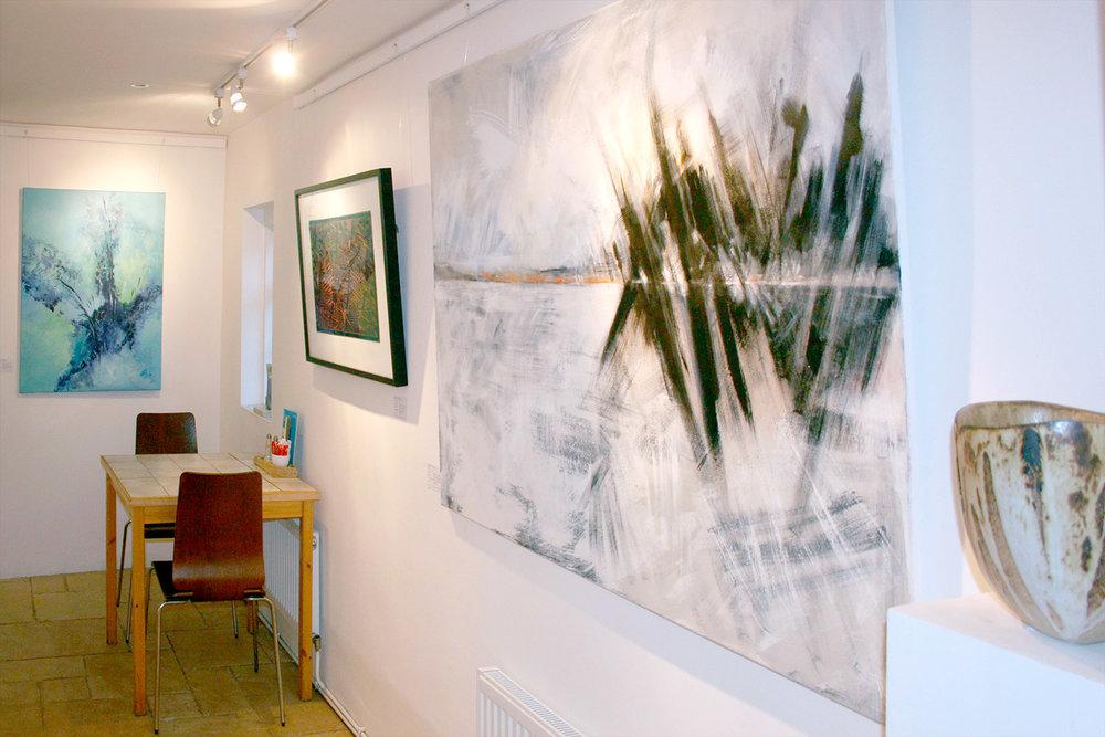 white-stones-art-gallery-area-cafe-portland-dorset-1500pxl.jpg