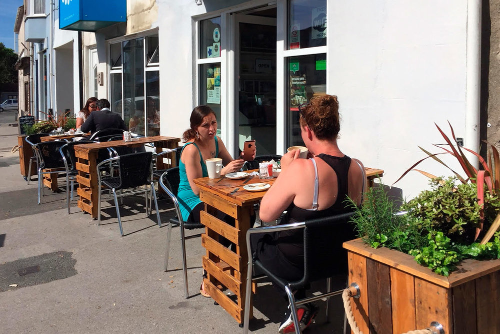 diners-sitting-outside-white-stones-art-cafe-gallery-portland-dorset.jpg