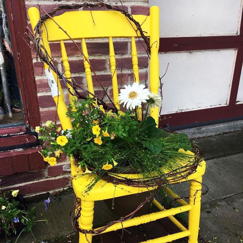 Mascot_Chair.jpg