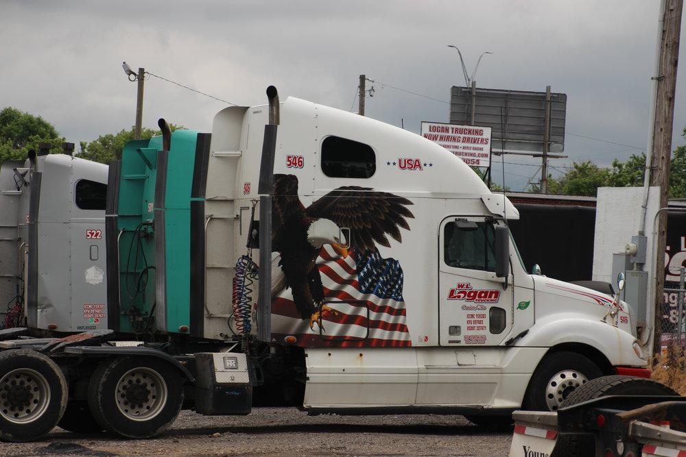 WL Logan Trucking Truck Side