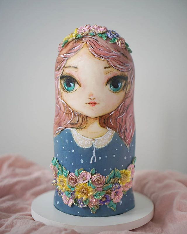 Who wants to eat some cake? This modern version of Russian Doll covered with chocolate based fondant and painted with melted cocoa butter and petal dusts.  Cake was made for Satin Ice Exclusive Showcase and you can see more of this work and other artist's custom pieces at @satin.ice