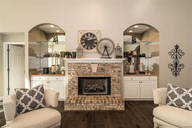 2557 Valley Oaks-Great Room.jpg