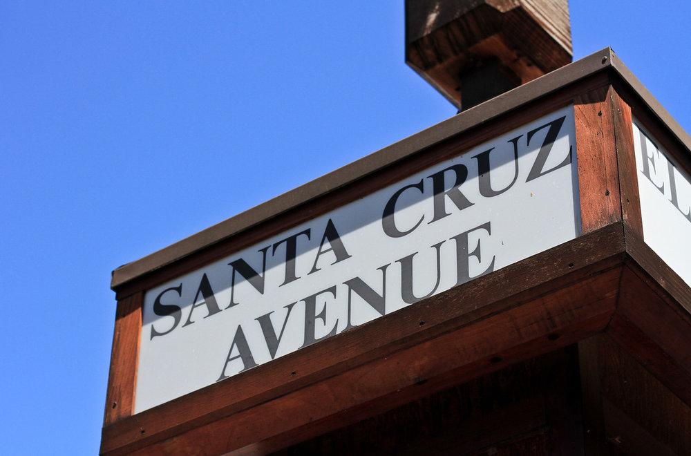 University Ave sign.jpg