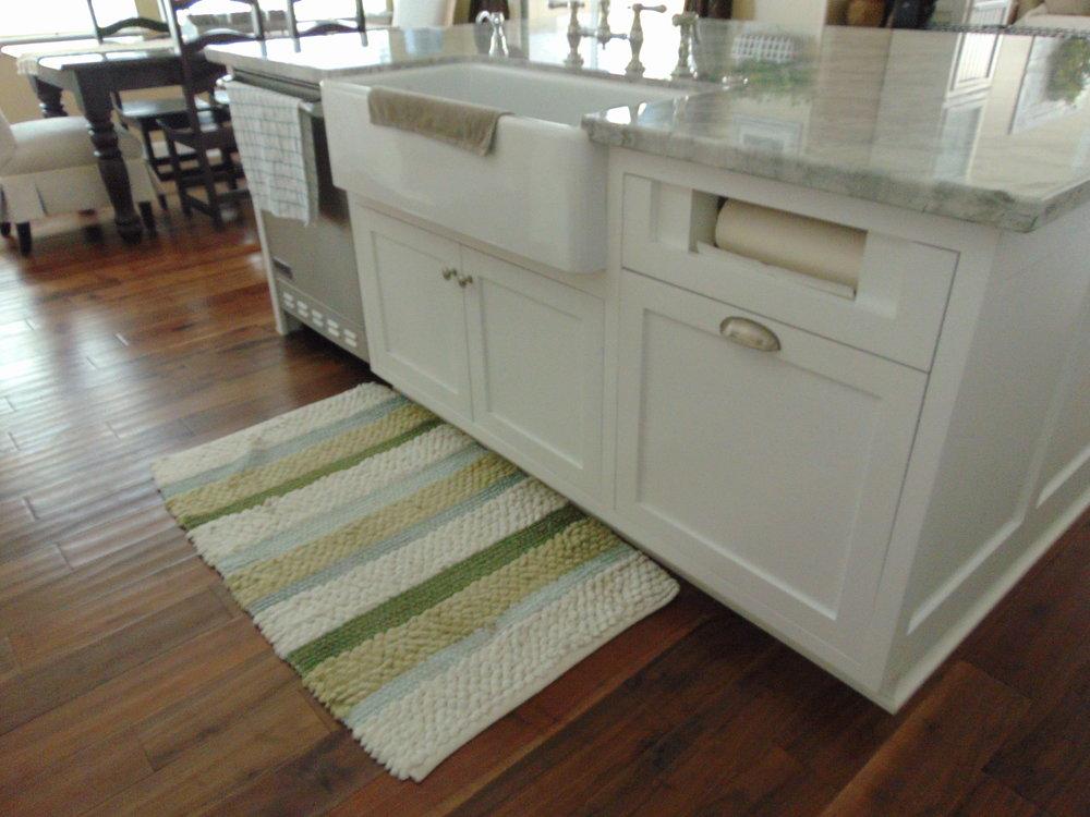 Jenny Custom Cabinets (21).JPG