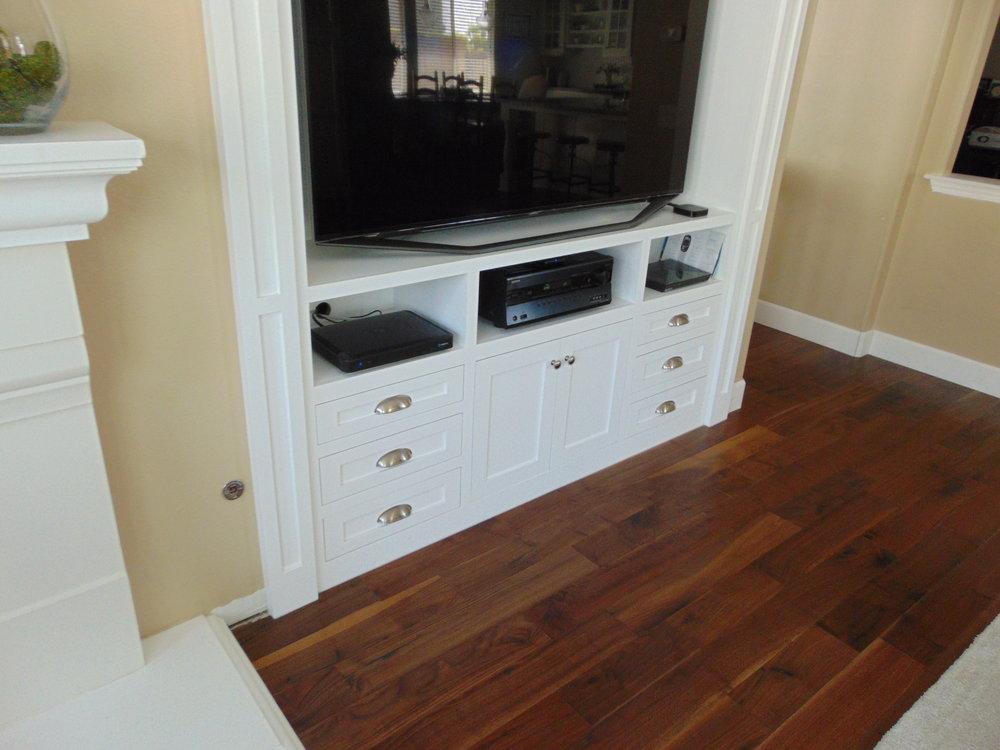 Jenny Custom Cabinets (30).JPG