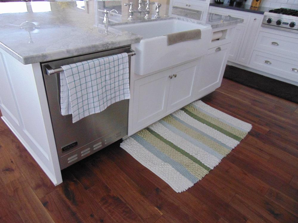 Jenny Custom Cabinets (48).JPG