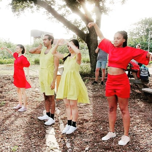 @thepilotdanceproject goes to Midtown Park this Saturday at 1:30! Come see @lryuill1 's Green Zebras: The Cara Cara Suite! And enjoy a holiday lunch! #yaydance #houdance #houarts #pilotdanceproject #tomatofashion Photo by @pinlim Thanks to a grant from @midtownhou !