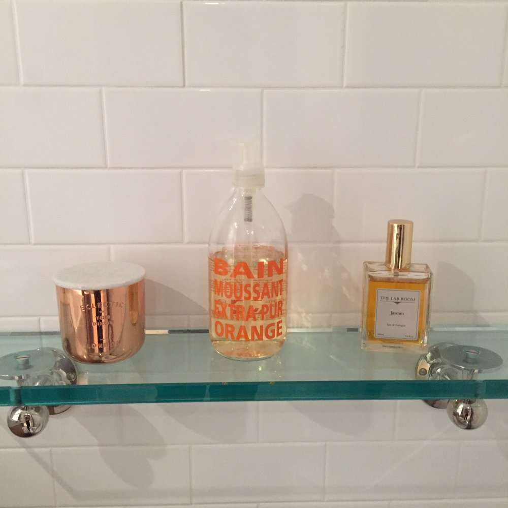 bathshelf.JPG