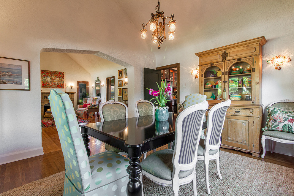 eclectic-dining-room-3.jpg