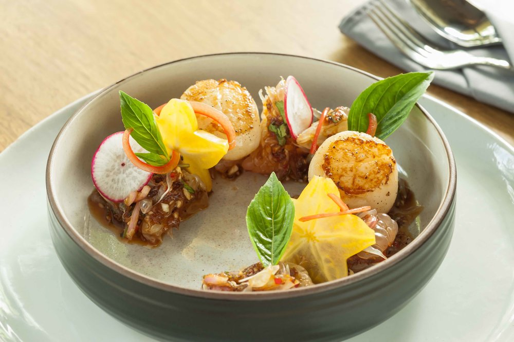Pomelo_Salad_with_Grilled_Scallops.jpg