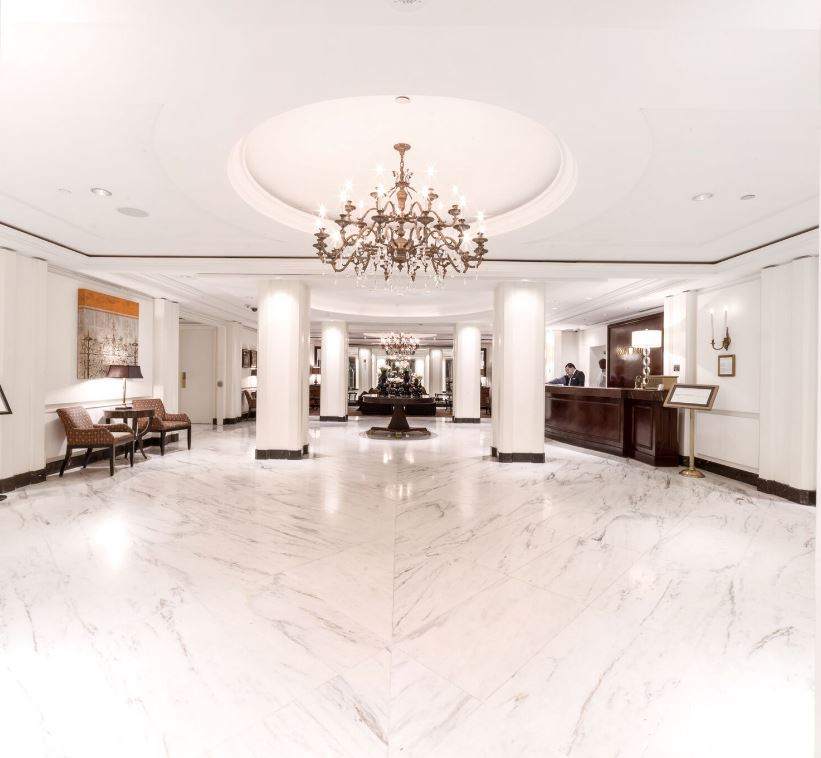 Omni_Berkshire_Place_Lobby.JPG