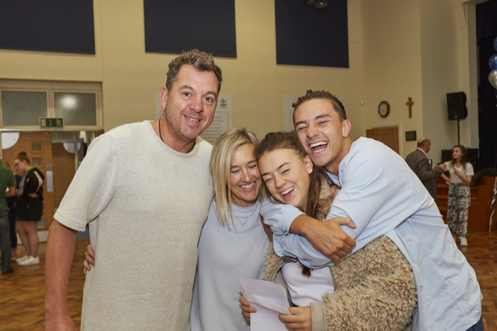 AES Polly-Anne Offland happy with family as she celebrates heading to Leeds to study Fashion Photography.jpg