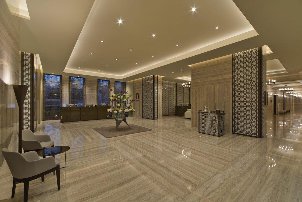 fraser_suites_west_bay_lobby.jpg