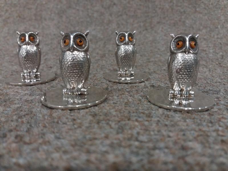 HR STEPHEN KALMS ANTIQUES set of 4 Sampson & Mordan silver owl menu holders.jpg