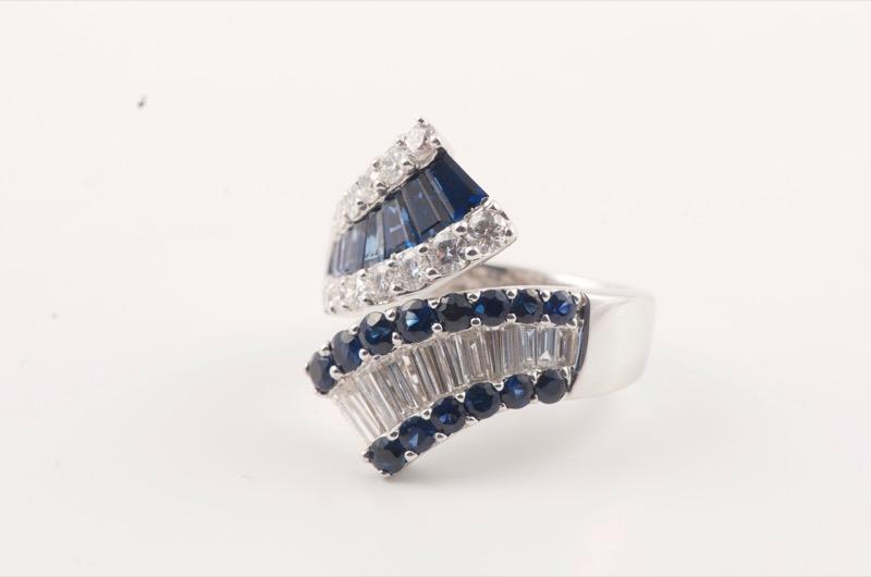 HR SHAPIRO & CO White gold mounted sapphire & diamond ring c 1970.jpg