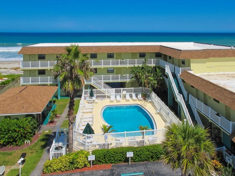 Tuckaway Resort Melbourne exterior.jpg