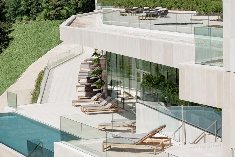 Vue_terrasse_et_piscine.jpg