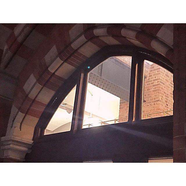 peeking through neo-gothic details. . . . #architecture #neogothic #kingscross #details #industrialdesign #throughthewindow #arch #architecture #architecturephotography #interiordesign #kingscrossstpancras