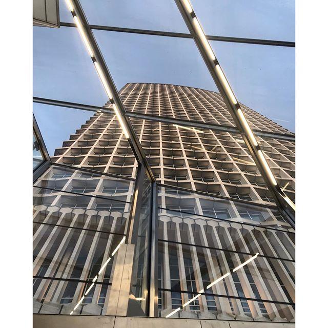 Obscene peeping. . . . #architecture #london #tottenhamcourtroadstation #lookup #peeping #uptheskirtshot #modernarchitecture #engineering #tower #seethrough #sky #bluesky