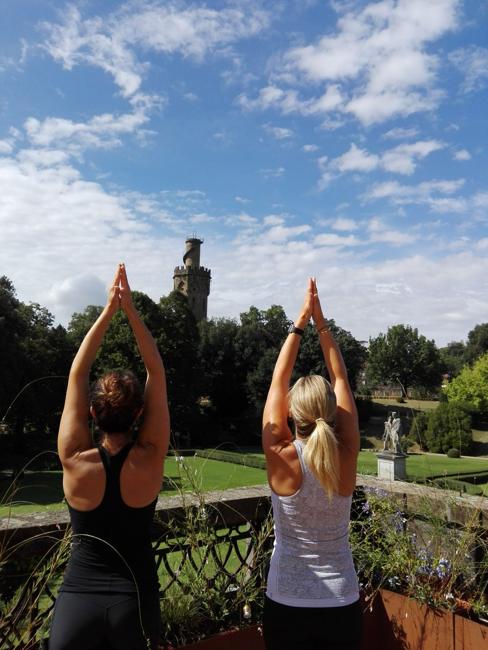 FLORENCE-Girls-yoga.jpg