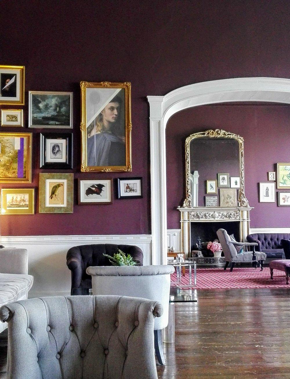 sittingroom.jpg