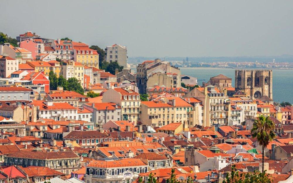Lisbon---Overview---Cityscape-xlarge.jpg