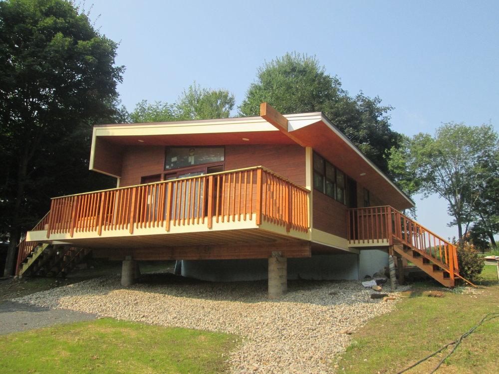 Cantilevered Deck