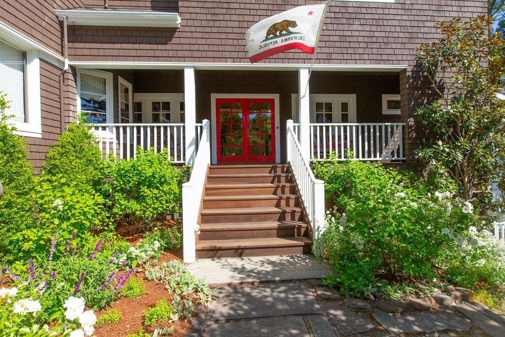 Front_Entrance2.jpg