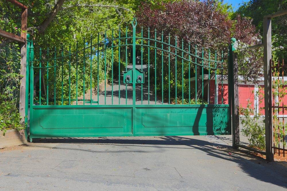 Front_Gate.jpg