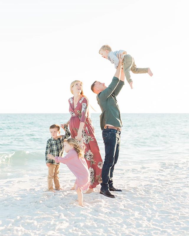 I love capturing growing families . ⠀⠀⠀⠀⠀⠀⠀⠀⠀ . ⠀⠀⠀⠀⠀⠀⠀⠀⠀ . ⠀⠀⠀⠀⠀⠀⠀⠀⠀ #sandiegophotographer #sandiegofamilyphotographer #southerncaliforniaphotographer #sandiegolifestylephotographer #noblepresets #candidchildhood #fineandflourished #lemonadeandlenses #marinmerkleyphoto #everydaymoments #magicofchildhood #thefountcollective