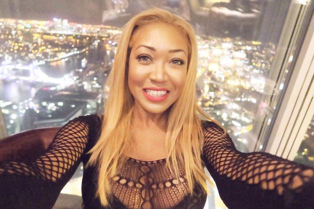 Gina Rio + Selfie + Shangri la hotel + gong bar + shard.JPG