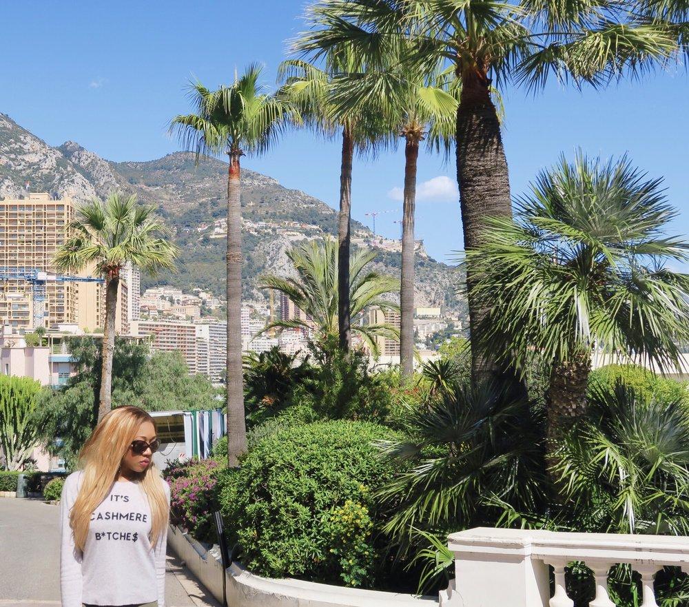 Monaco + gina rio + georgina rio  + blogger + its cashmere bitches + jumper + cargo pants + jeans |+ green + .jpg