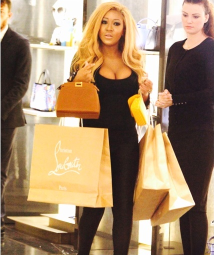 GINA RIO SHOPPING RICH.jpg
