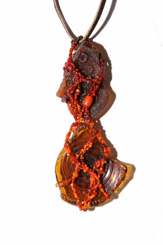 119_Beachcomber-Orange-on-Brown-Glass_rgb_opt_web.jpg