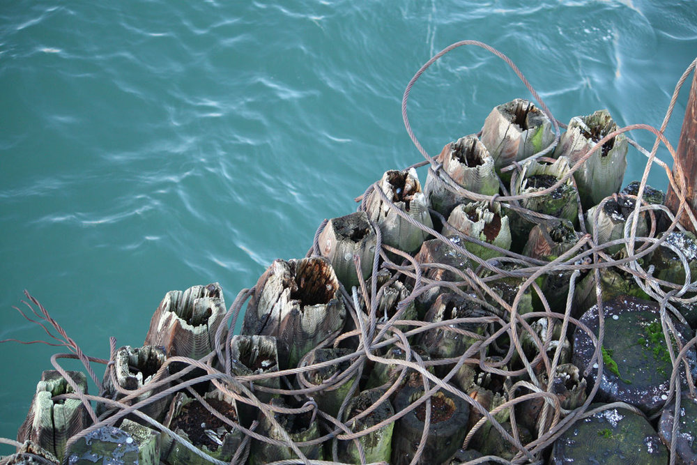 Aqua-water-and-grey-ropes-and-piers_web.jpg