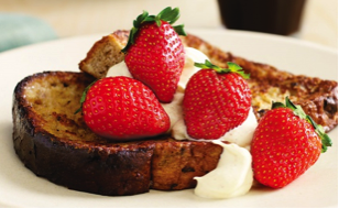 French fruit toast with strawberries