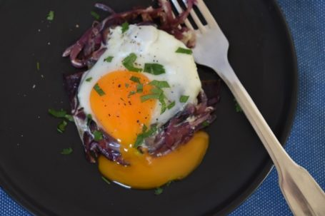 caramelized onion with eggs