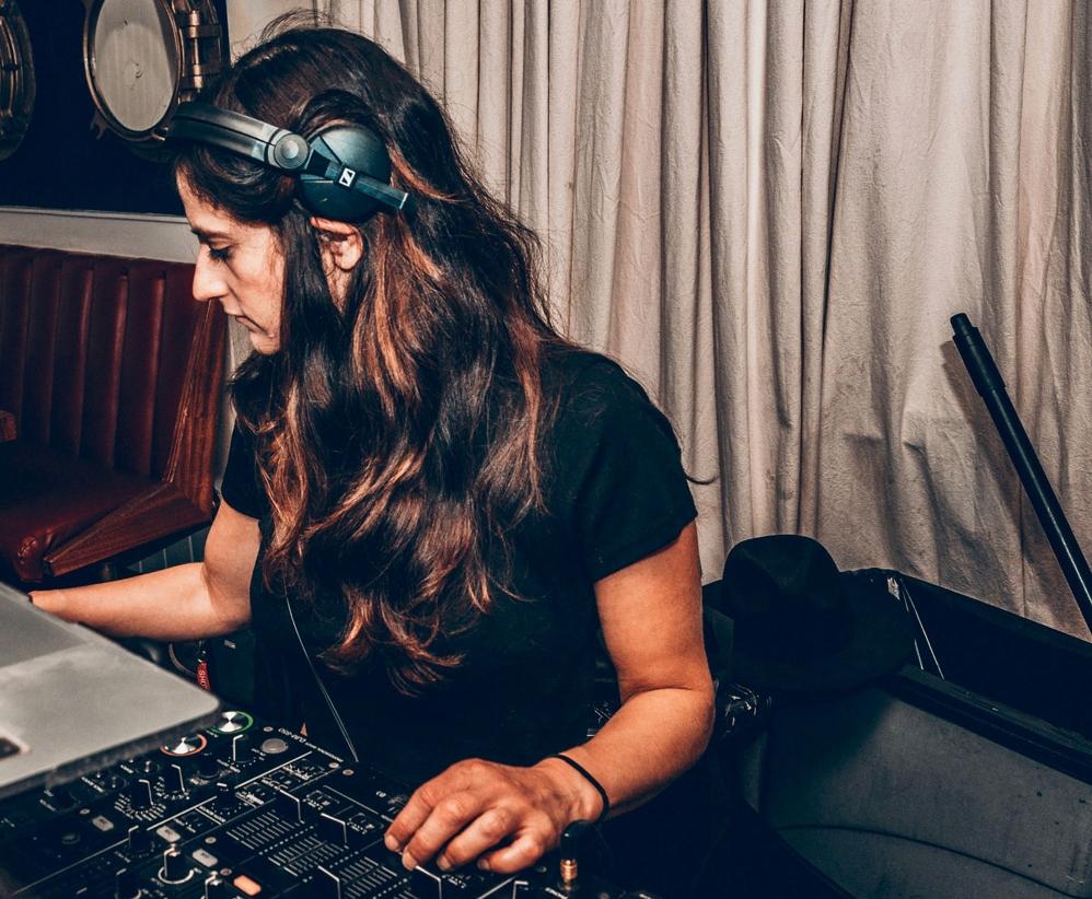 DJ-Annalyze.jpg