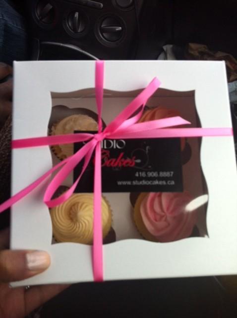 I got me some DELICIOUS cupcakes courtesy of Studio Cakes Bakery!